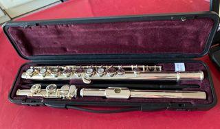 Flauta travesera YAMAHA.