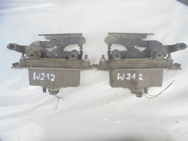 HINGES HOOD BONNET CARTRIDGEE MERCEDES W212