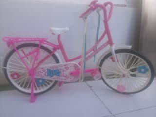 Bicicleta para muñeca Nancy.