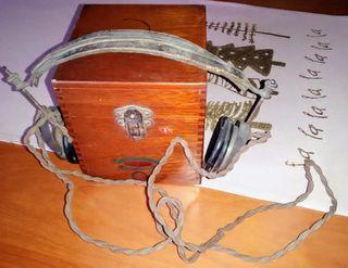 Radio de Galena con auriculares