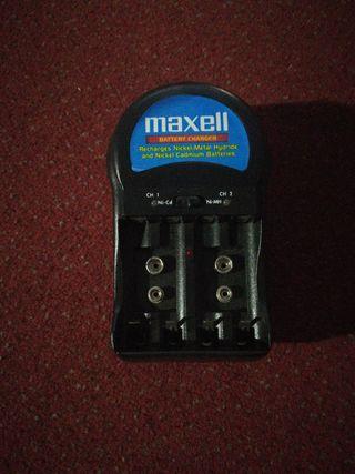 cargador MAXELL AMERICANO