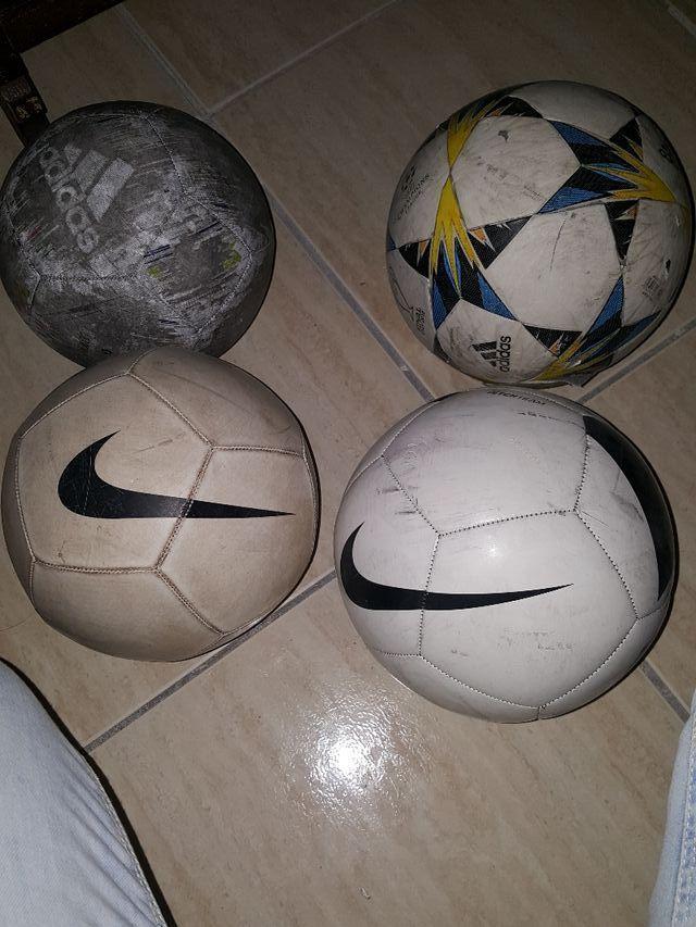 Pelotas de futbol 2 mano
