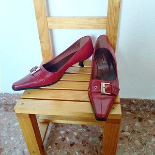 Zapatos tacon bajo burdeos