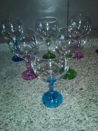 Conjunto copas de cristal, pie color, sin estrenar