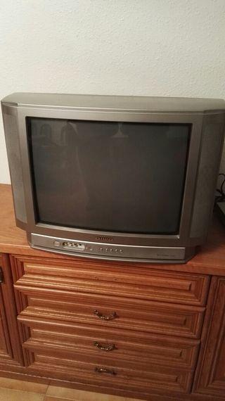 televisión , TDT y cámara de vídeo