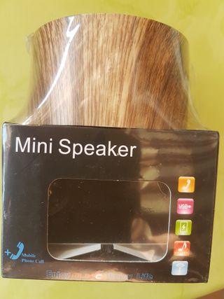 Mini Speaker. Altavoz de diseño. USB.