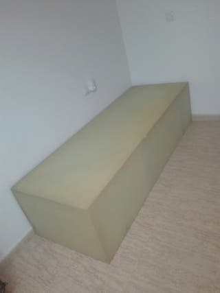 SOFA ...solo (un) sofa