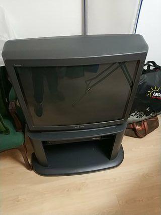 TV CRT Sony grande. Televisión
