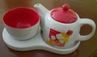 Conjunto tetera y taza