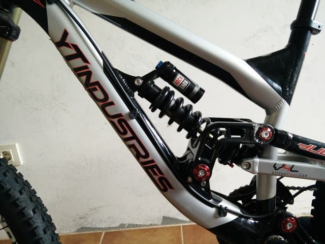 Bici descenso YT INDUSTRIES TUES