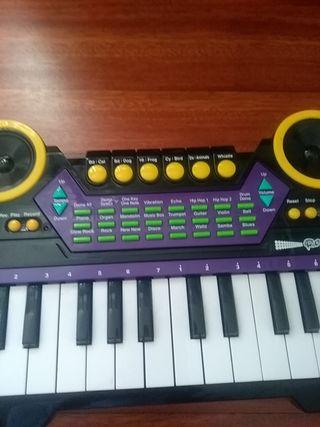 Órgano electrónico de juguete