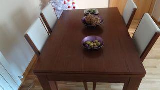 mesa de comedor con 4 sillas y mesa de sala