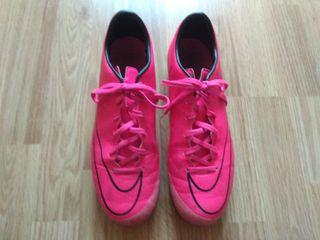 botas Nike fútbol tacos numero 42