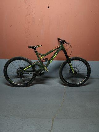 bicicleta GT sanction