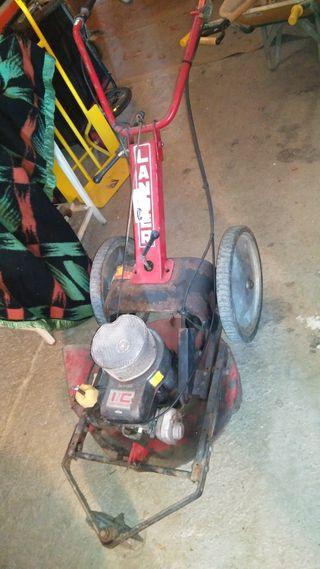 desbrozadora de ruedas con tracción