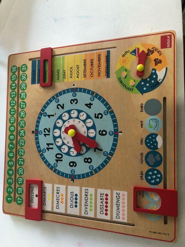 Casita de muñecas + Reloj de madera