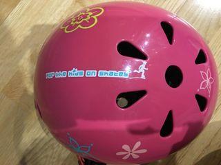 Casco de bicicleta rosa