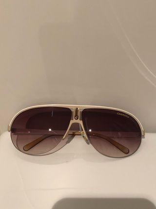 Gafas de sol Carrera . Modelo pequeño