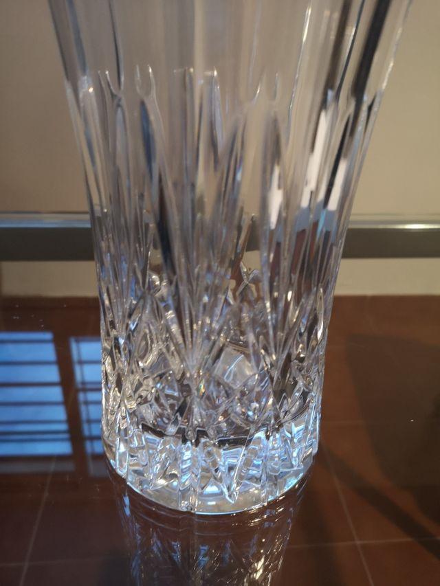 SIN ESTRENAR. cristal de roca. jarrón italiano
