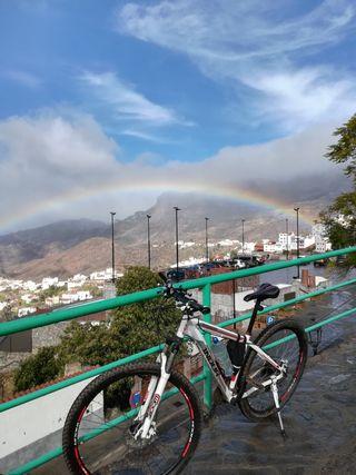 """Bicicleta de montaña 29"""" equipo completo candado"""