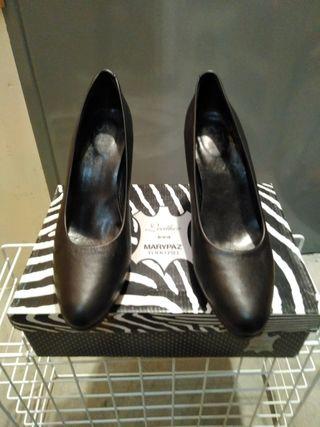 se vende zapatos de mujer