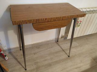 mesa antigua de cocina
