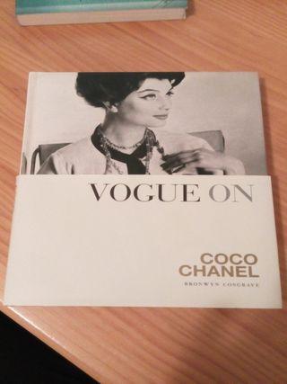 Vogue on: Coco Chanel (libro en inglés)