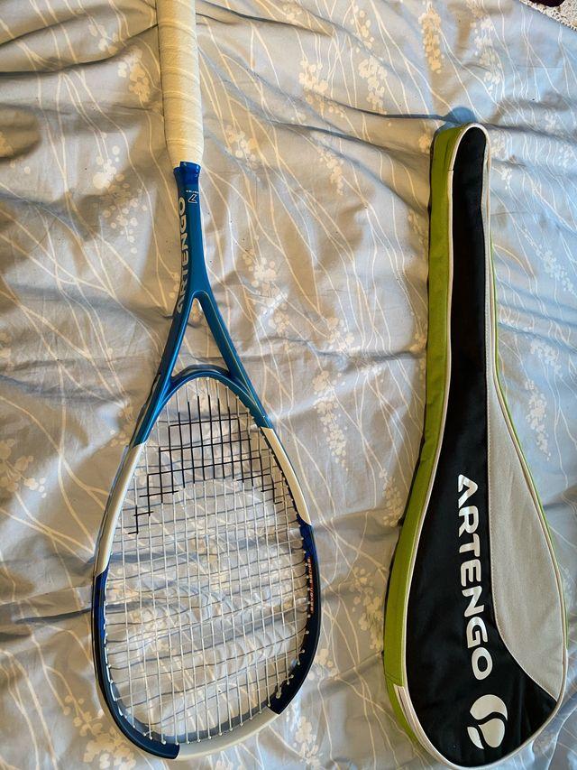 Raquette de squash neuve avec son étui & 2 balles