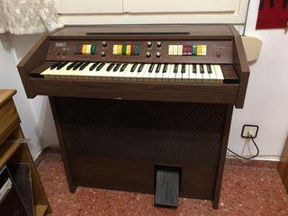 Órgano electrónico Brio 49-C con mueble vintage