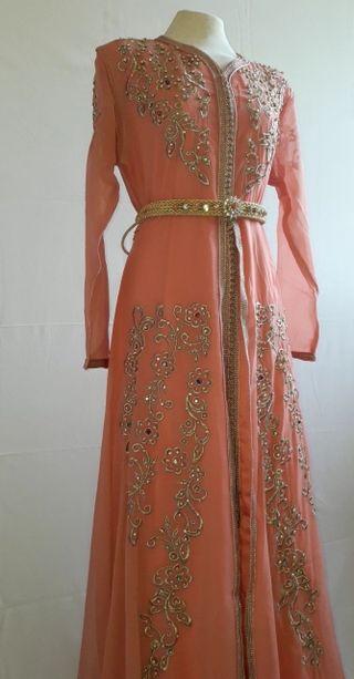 caftan, takchita, robe de soirée.