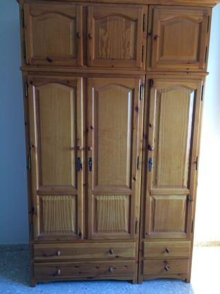 Conjunto de dormitorio de madera maciza