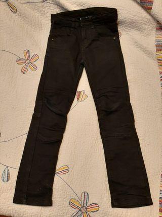 Pantalón vaquero negro T 8 años