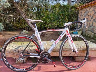 Bicicleta bici carretera de carbono FUJI
