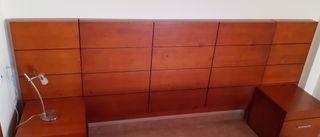 Dormitorio moderno en madera maciza