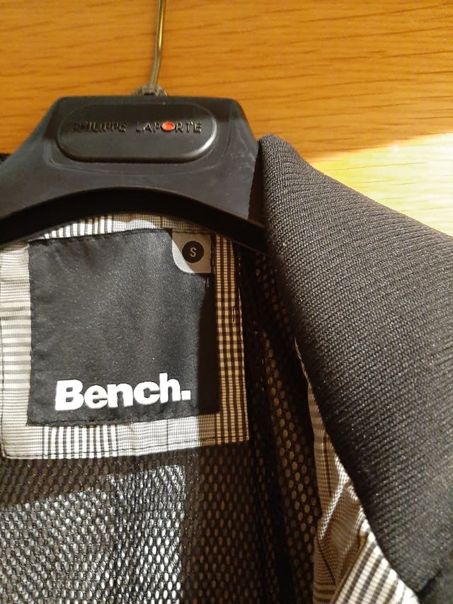 Chaqueta bench