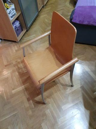 sillas comedor 10€ cada una, cojines de regalo