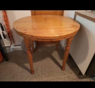 mesa de pino en perfecto estado
