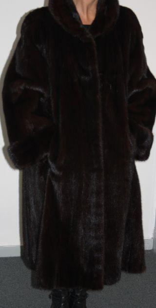 Magnífico abrigo de visón diamante negro