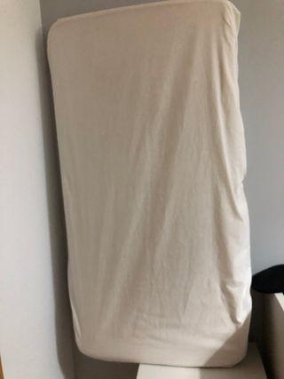 Colchón infantil con sabana bajera