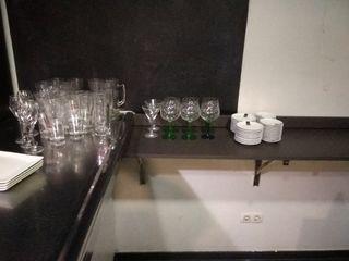 copas, platos, mantelería, olla 70 litros