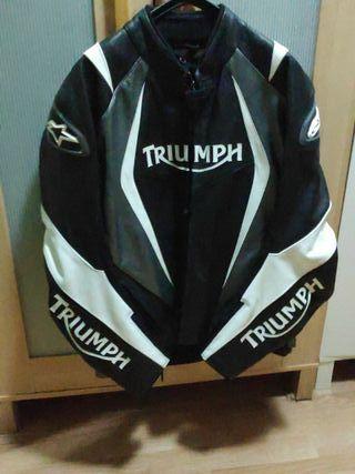 Chaqueta de moto Alpinestars y Triumph