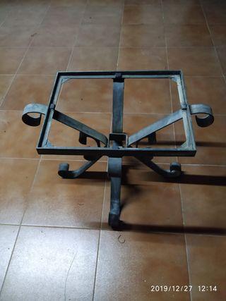 mesa baja de forja hecha a mano