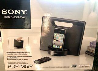 Base con Altavoz compacta para iPod/iPhone