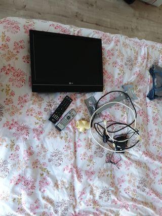 Televisión y brazo a pared
