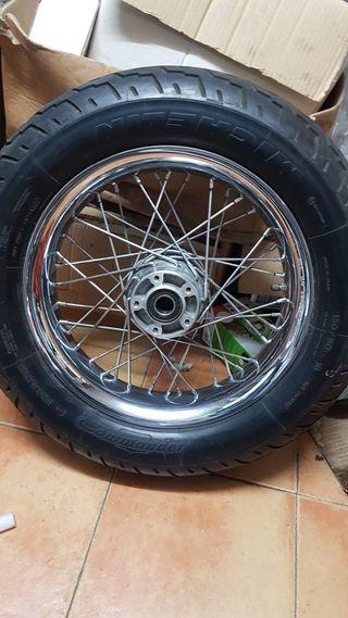 llanta Harley Davidson softail Deluxe