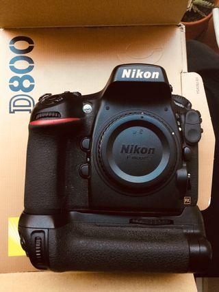 NIKON D800 CON EMPUÑADURA Y MUY POCO USO