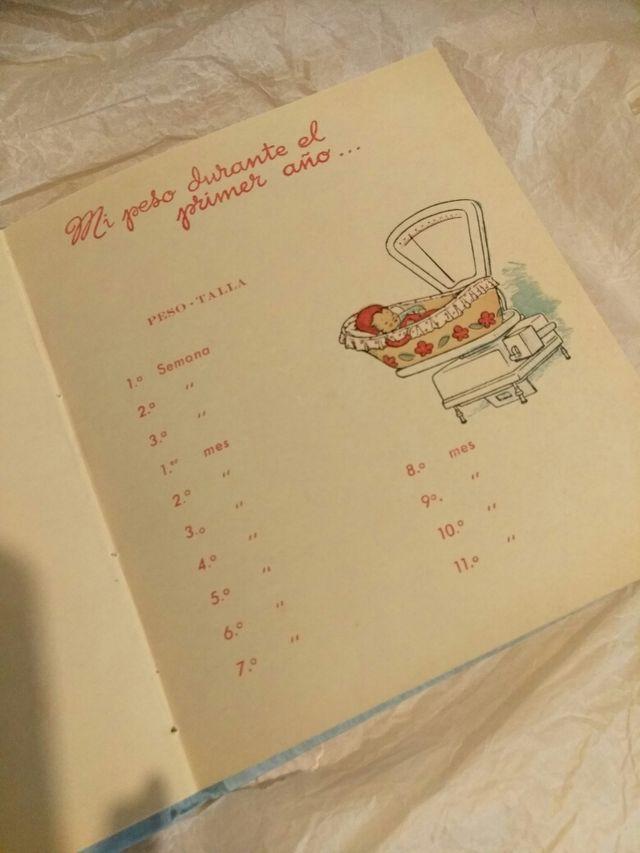 """Libro """"Infancia del bebé"""""""