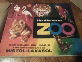 album de coromos COMPLETO un dia en el zoo