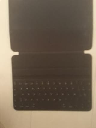iPad Pro ( 9.7 inch ) Smart keyboard folio