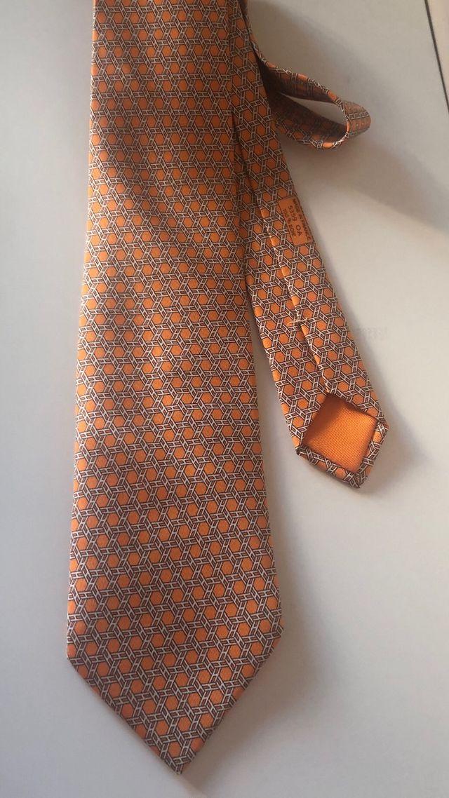 Corbata Hermès
